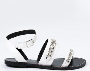 Sandały Chattawak z klamrami ze skóry