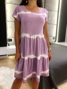 Fioletowa sukienka ModnaKiecka.pl z okrągłym dekoltem