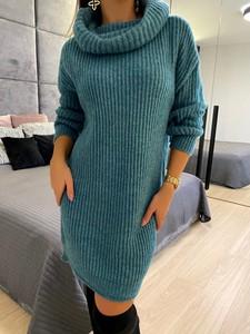 Zielona sukienka ModnaKiecka.pl w stylu casual prosta