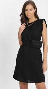Czarna sukienka born2be z okrągłym dekoltem mini bez rękawów