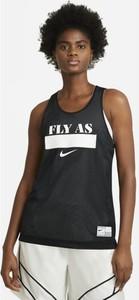 T-shirt Nike z okrągłym dekoltem w sportowym stylu
