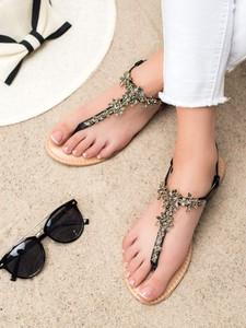 Sandały Czasnabuty w stylu casual z klamrami