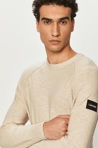 Sweter Calvin Klein z bawełny w stylu casual z okrągłym dekoltem