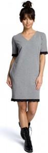 Sukienka Be z dzianiny z dekoltem w kształcie litery v