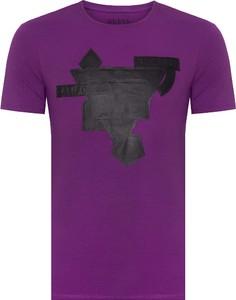 T-shirt Guess z bawełny z nadrukiem