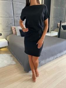 Czarna sukienka ModnaKiecka.pl w stylu casual z dresówki