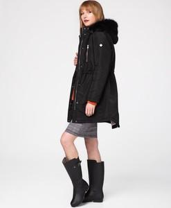 Czarny płaszcz volcano.pl w stylu casual z tkaniny