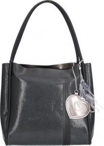 Czarna torebka Chiara Design z breloczkiem