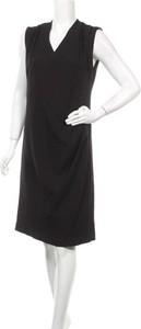 Czarna sukienka Fransa bez rękawów z dekoltem w kształcie litery v mini
