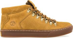 Żółte buty zimowe Timberland w młodzieżowym stylu