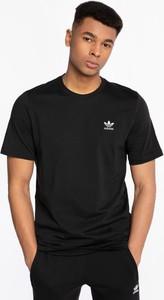 Czarny t-shirt Adidas z krótkim rękawem