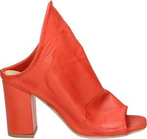 Czerwone klapki Venezia ze skóry