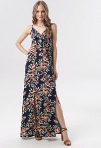Granatowa sukienka born2be maxi
