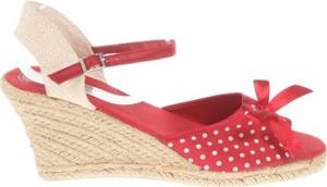 Czerwone sandały Fila