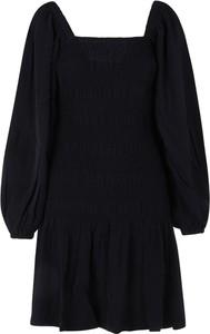 Czarna sukienka Ganni z okrągłym dekoltem