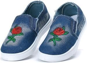 niebieska róża stylowo i modnie z Allani