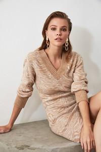 Sukienka Trendyol z dekoltem w kształcie litery v mini z długim rękawem