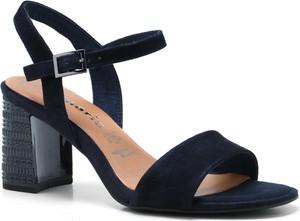 Niebieskie sandały Tamaris z klamrami na obcasie