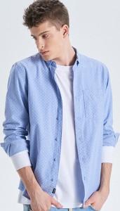 Niebieska koszula Cropp z kołnierzykiem button down w stylu casual z długim rękawem
