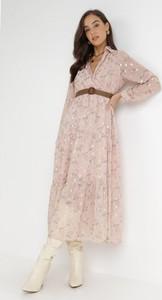 Różowa sukienka born2be z długim rękawem z dekoltem w kształcie litery v maxi