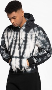 Czarna bluza Karl Kani w młodzieżowym stylu