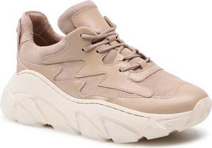 Buty sportowe Carinii na platformie sznurowane