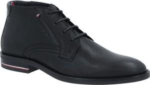 Czarne buty zimowe Tommy Hilfiger ze skóry sznurowane