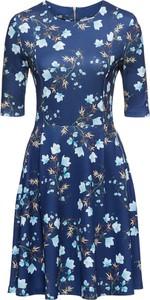 Niebieska sukienka bonprix bodyflirt z neoprenu