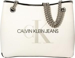 Torebka Calvin Klein matowa średnia na ramię
