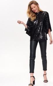 Czarna bluzka Top Secret z okrągłym dekoltem w stylu glamour
