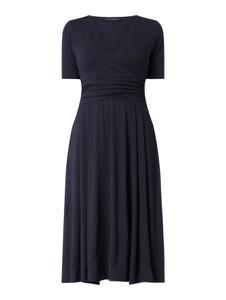 Granatowa sukienka Marc O'Polo z dżerseju rozkloszowana midi