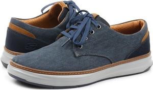 Niebieskie buty sportowe Skechers sznurowane w stylu klasycznym ze skóry