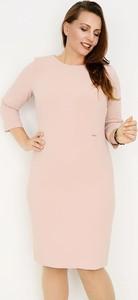Różowa sukienka Zaps Collection midi ołówkowa w stylu casual