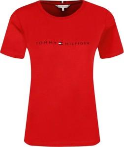 Czerwony t-shirt Tommy Hilfiger w stylu casual z krótkim rękawem
