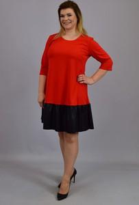 Czerwona sukienka KARKO z okrągłym dekoltem z dresówki