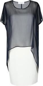 Sukienka Fokus z okrągłym dekoltem w stylu glamour