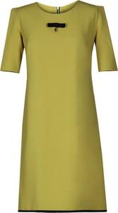 Zielona sukienka Fokus trapezowa z krótkim rękawem