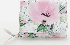 Fioletowy portfel Reserved