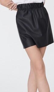 Czarna spódnica Sinsay ze skóry ekologicznej