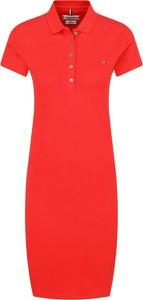 Czerwona sukienka Tommy Hilfiger z kołnierzykiem midi w stylu casual