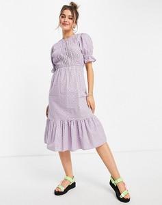 Fioletowa sukienka Influence midi z krótkim rękawem z okrągłym dekoltem