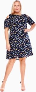 Sukienka Fokus z okrągłym dekoltem w stylu casual