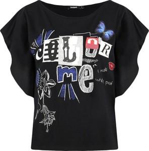 Czarna bluzka Desigual w młodzieżowym stylu