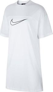 Sukienka Nike