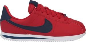 Czerwone buty sportowe dziecięce Nike sznurowane