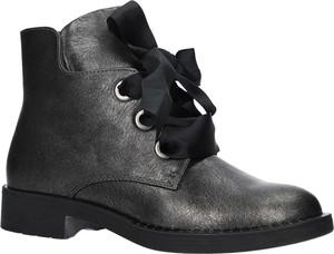 Poważnie czarne botki wiązane - stylowo i modnie z Allani ZN65