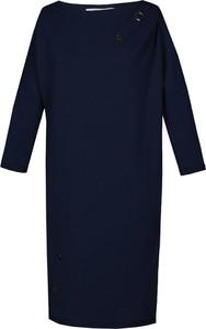 Granatowa sukienka Fokus z dresówki oversize z długim rękawem