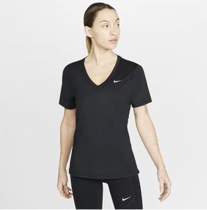 T-shirt Nike z krótkim rękawem w sportowym stylu