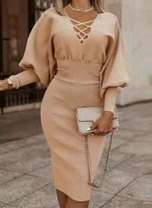 Sukienka Sandbella w stylu casual na ramiączkach midi