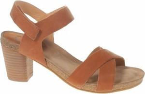 Brązowe sandały Cashott z klamrami ze skóry